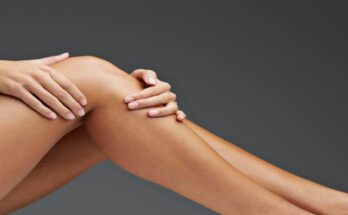 close-up-of-woman-having-knee-pain