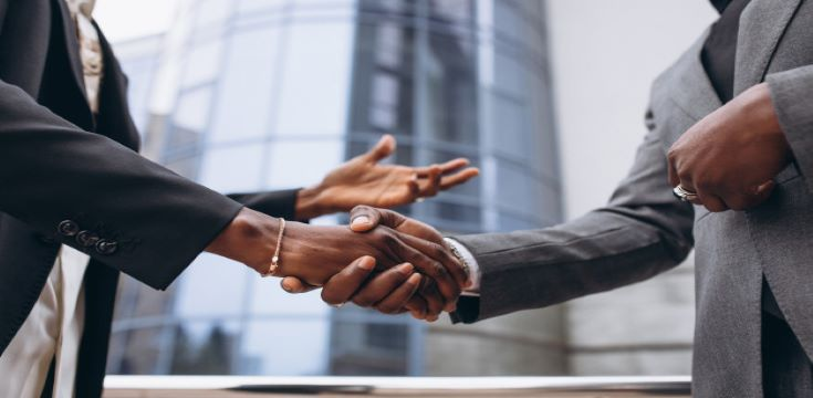 african-business-male-people-shaking-hands_1303-18516 (002)