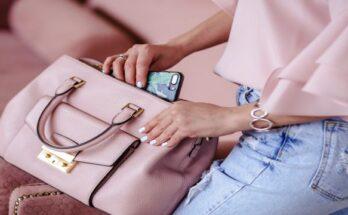 handbag_essentials